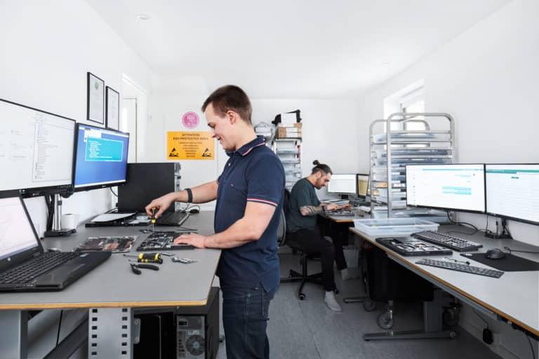 Teknisk hjælp og computer-reparation på Sjælland