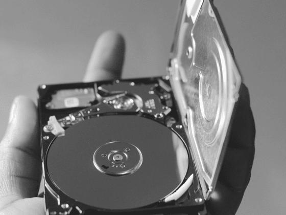Gendan slettede filer. Vi kan hjælpe dig med datagendannelse, uanset om du har HDD eller SSD.