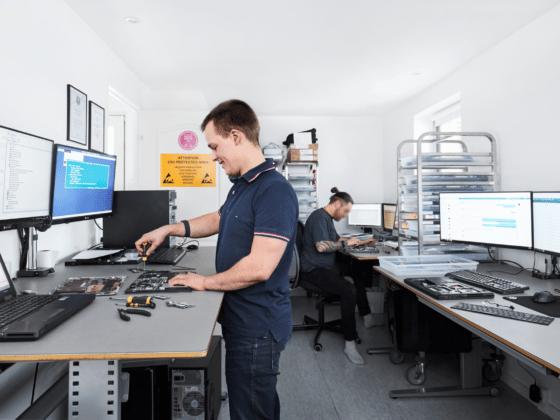Teknisk hjælp og computer-reparation og udekørende support på Sjælland
